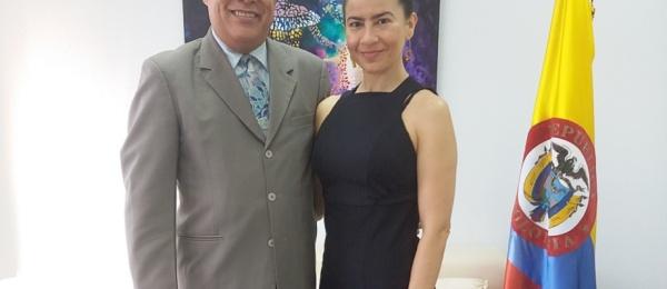 El Cónsul de Colombia en Hong Kong recibió a la artista colombiana Martha Hincapié Charry en el Consulado