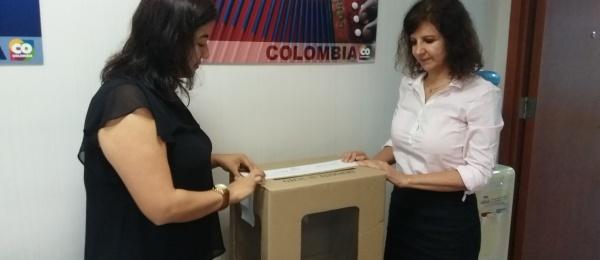 Con apertura del puesto de votación en Consulado de Colombia Hong Kong se inició jornada electoral